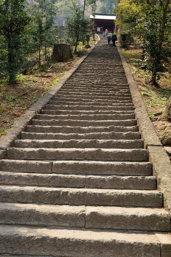 本殿への急階段