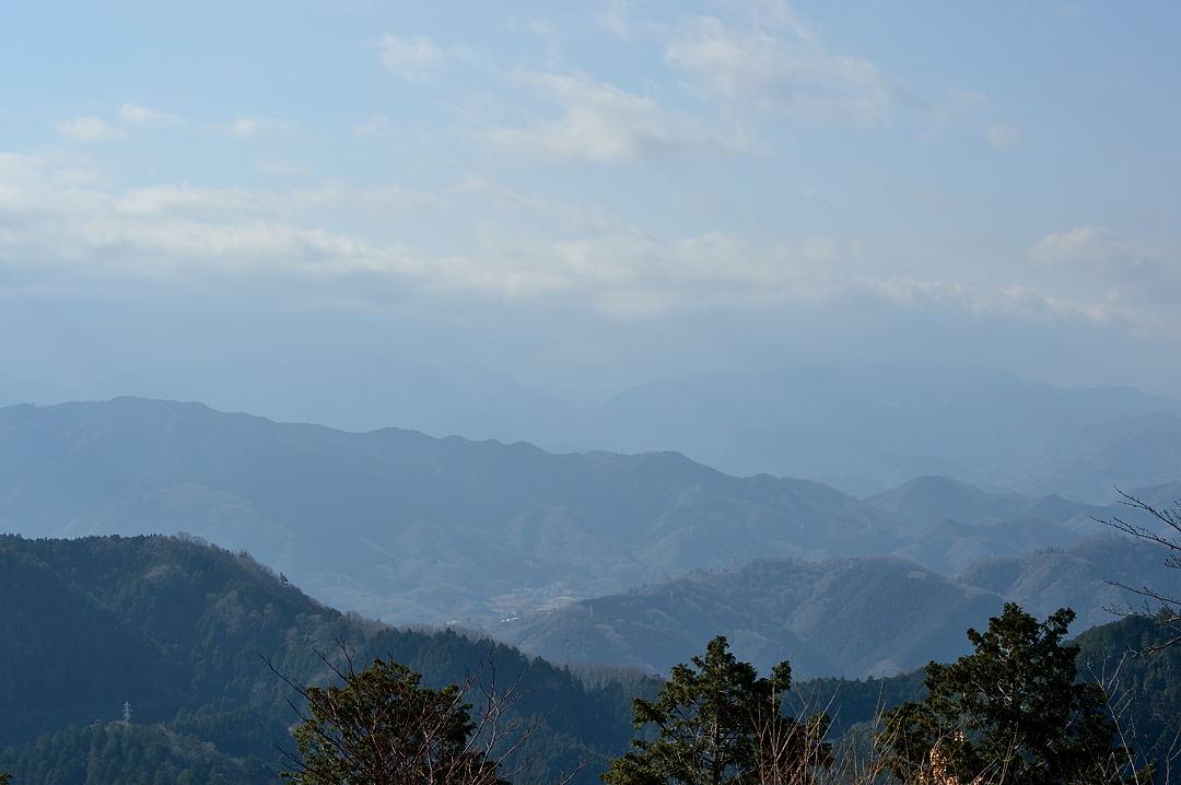 【12:01】 頂上から富士山方面