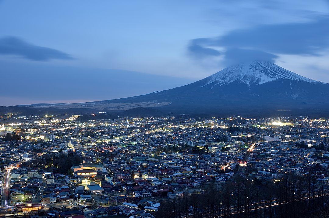 17:36 富士吉田の夜景-1