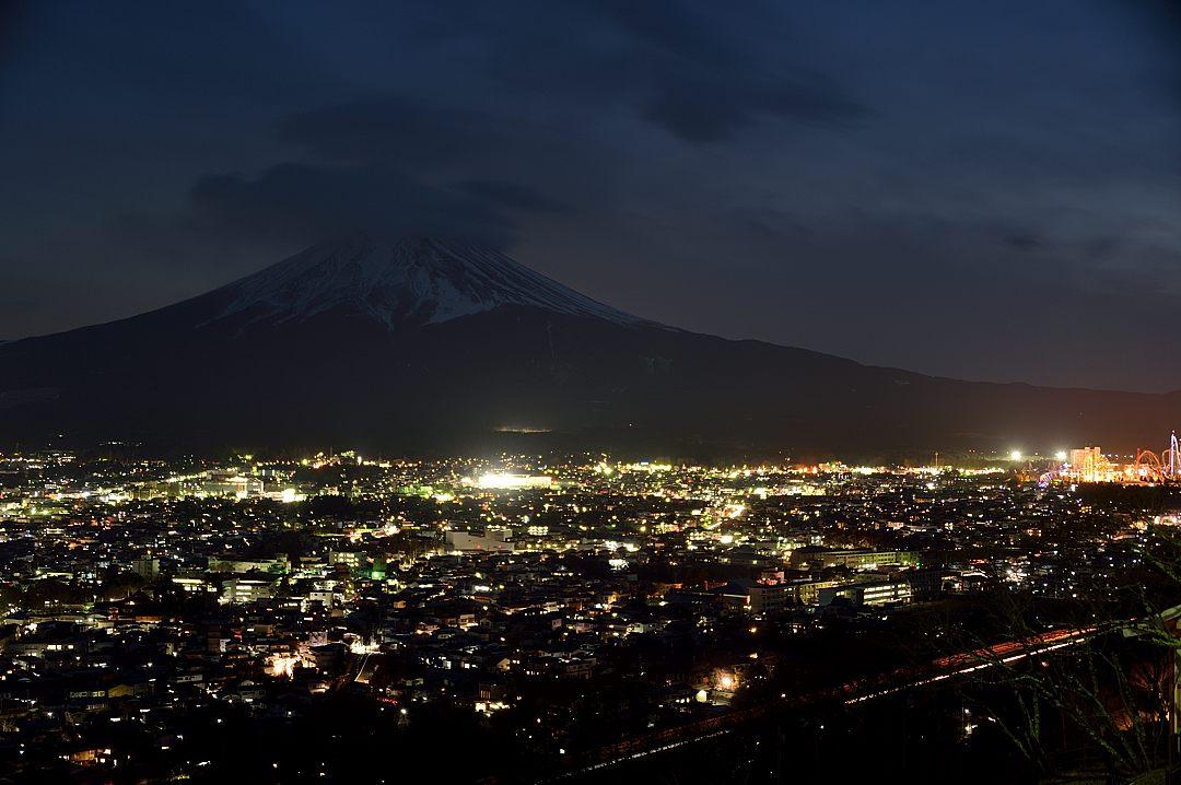 17:52 富士吉田の夜景-2