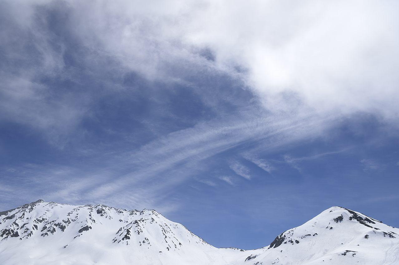 絹雲が広がる