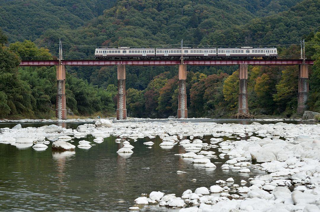 【11:55】上り・急行列車