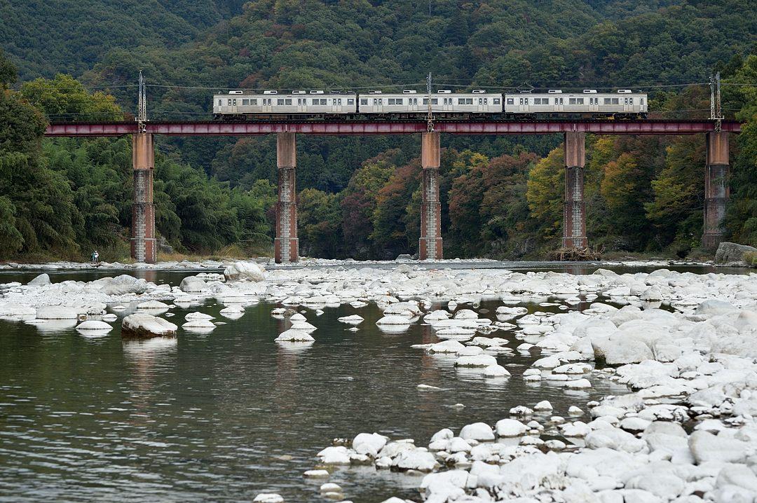 【11:57】下り・普通列車