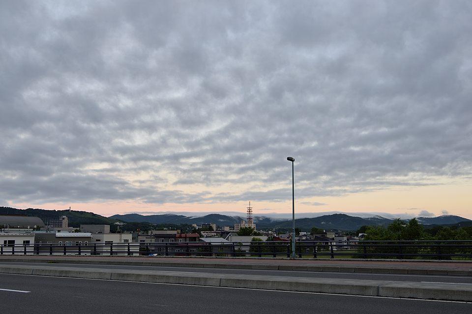 【03:53】 西の空が焼け始める