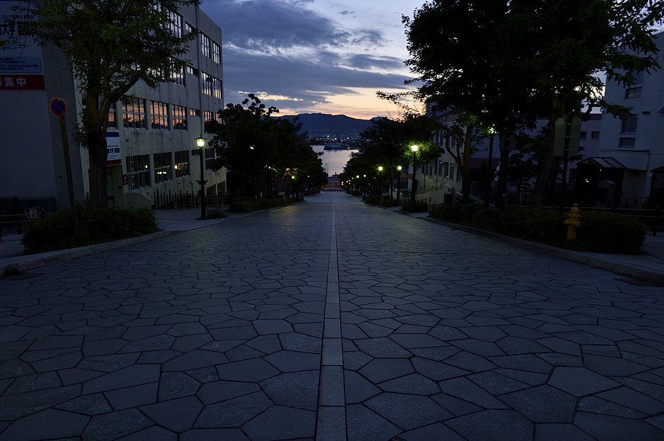 【03:42】 八幡坂