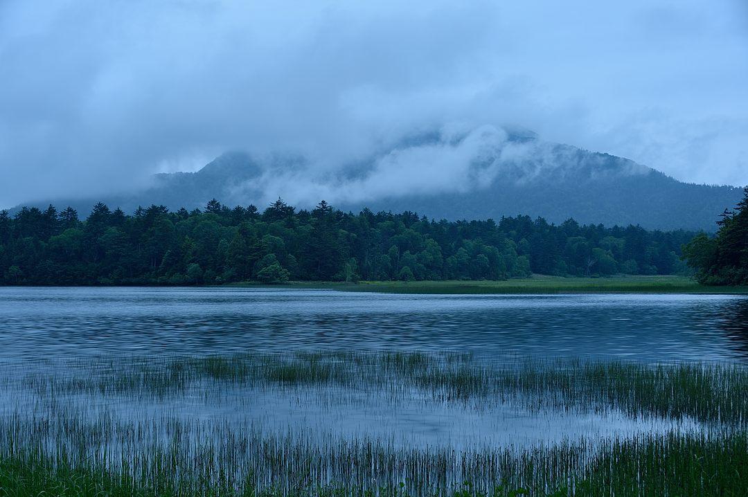 雲が覆う燧ケ岳