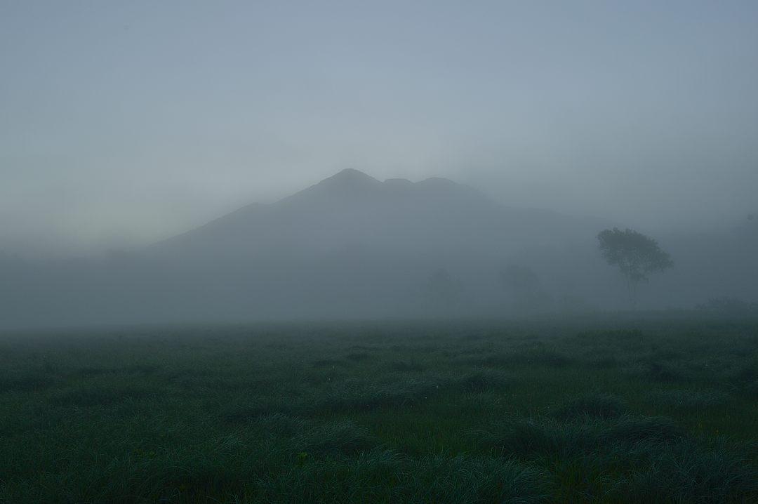 燧ケ岳のシルエット