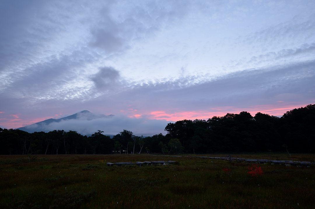 東の空が色付く