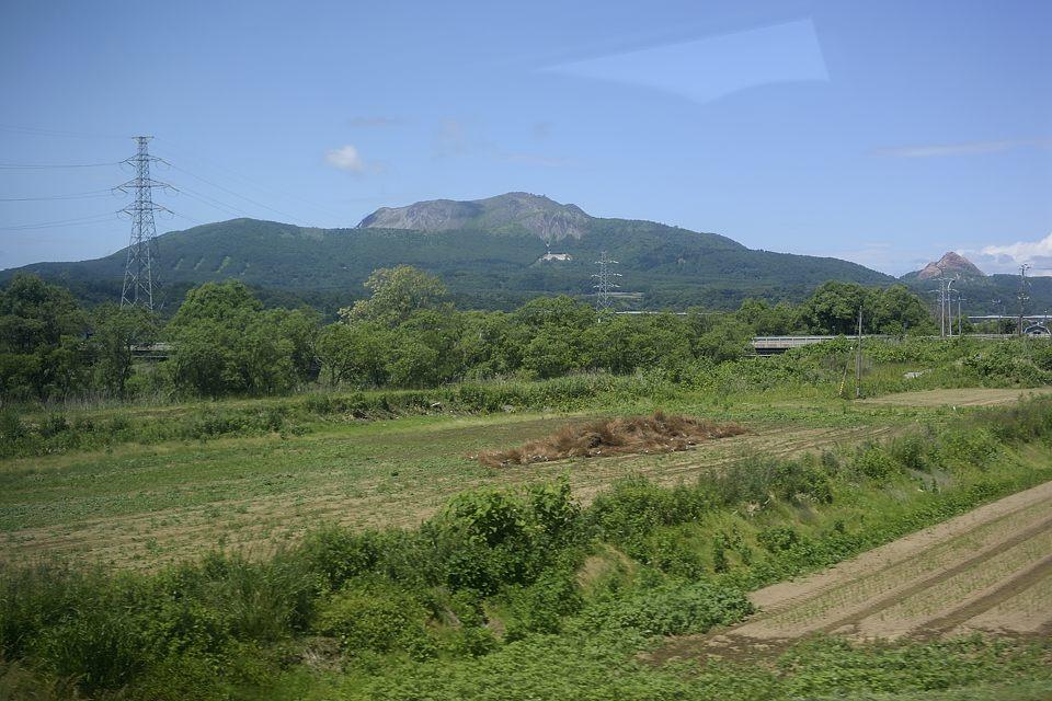 【12:27】 有珠山、昭和新山