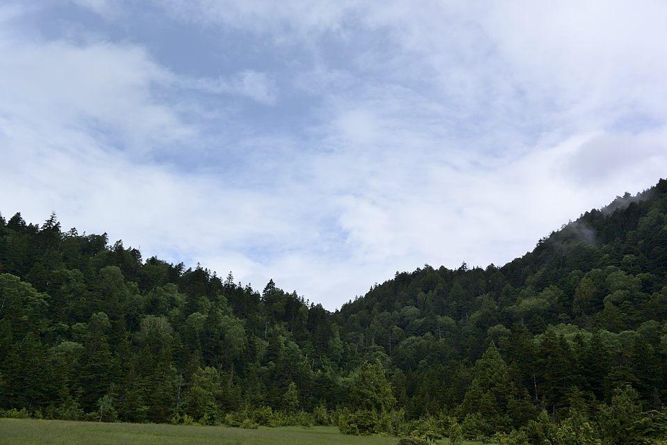 白砂湿原の青空