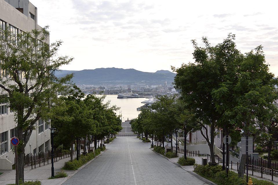 【05:26】 八幡坂