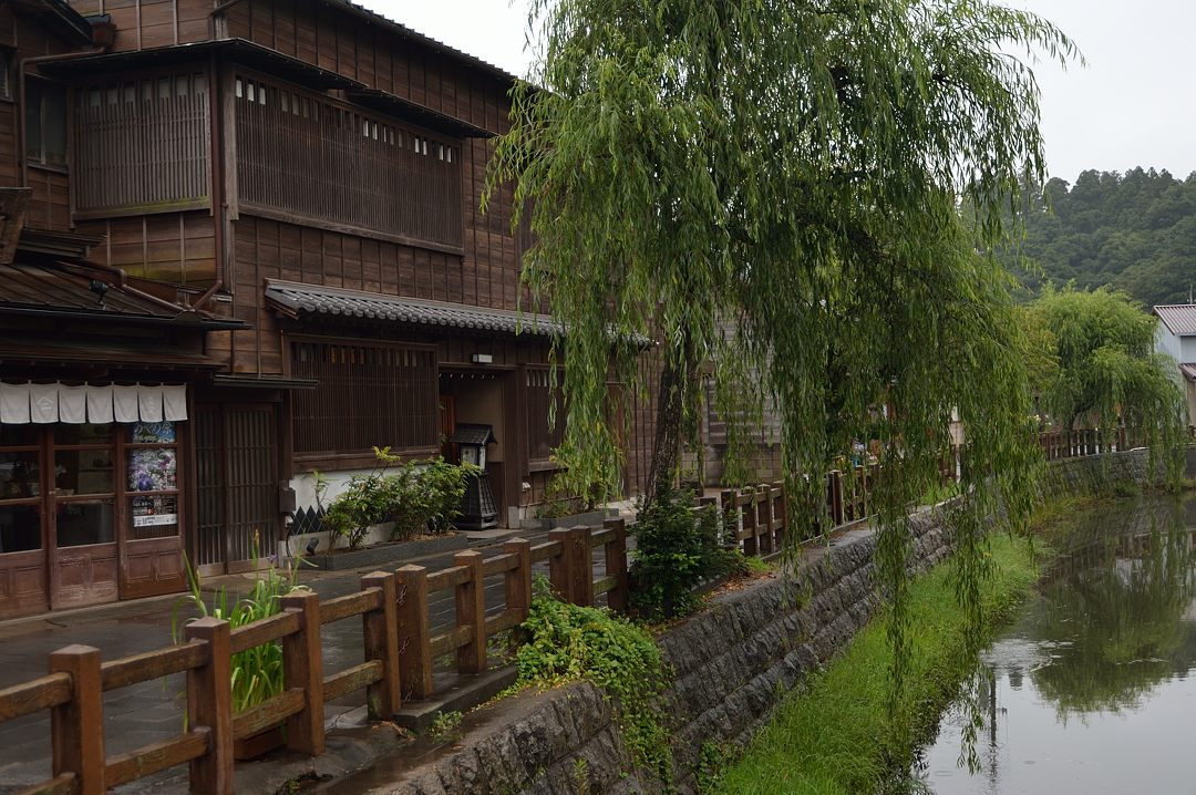 小野川沿いの古い町並み