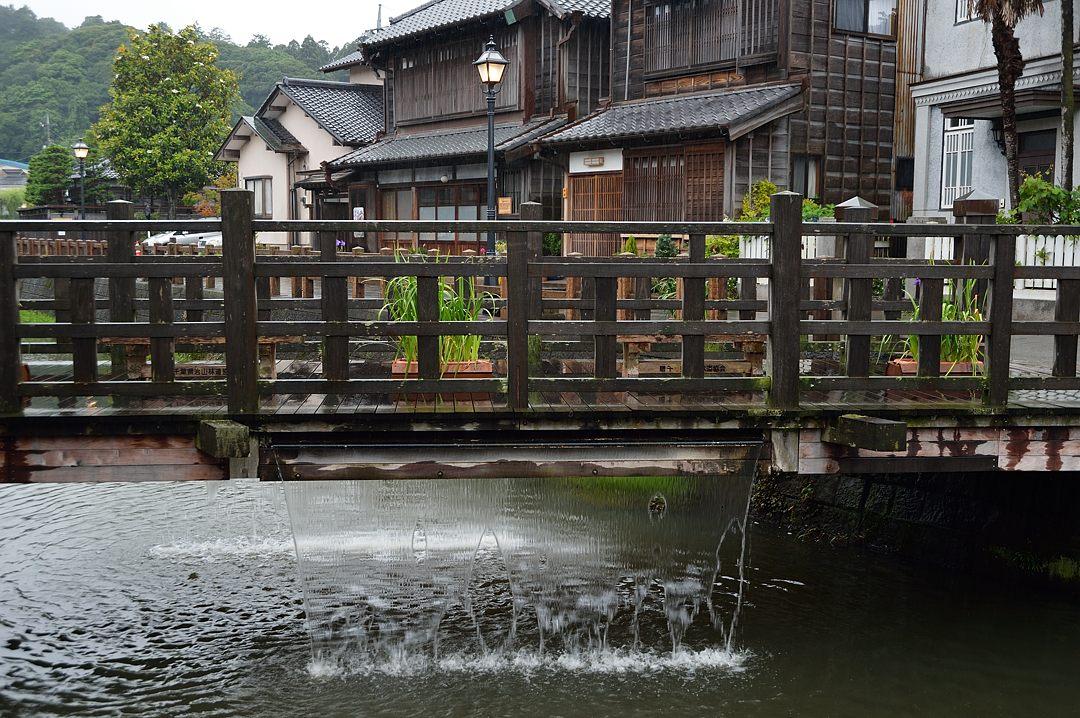 樋橋(じゃーじゃー橋)