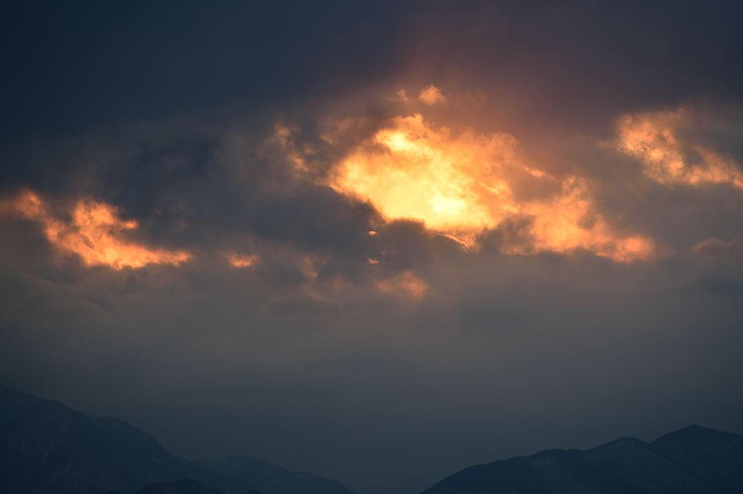 【16:13】 富士山頂上がわずかに見える