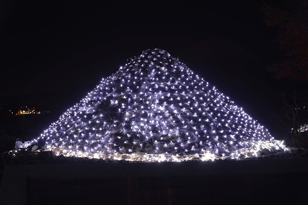 イルミネーションの富士山